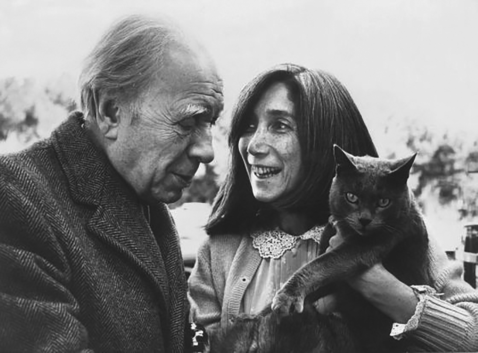Photo of the author Jorge Luis Borges together with the writer and translator Maria Kodama