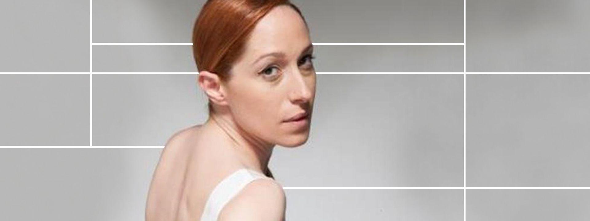 Φωτογραφία που απεικονίζει την ηθοποιό Κόρα Καρβούνη