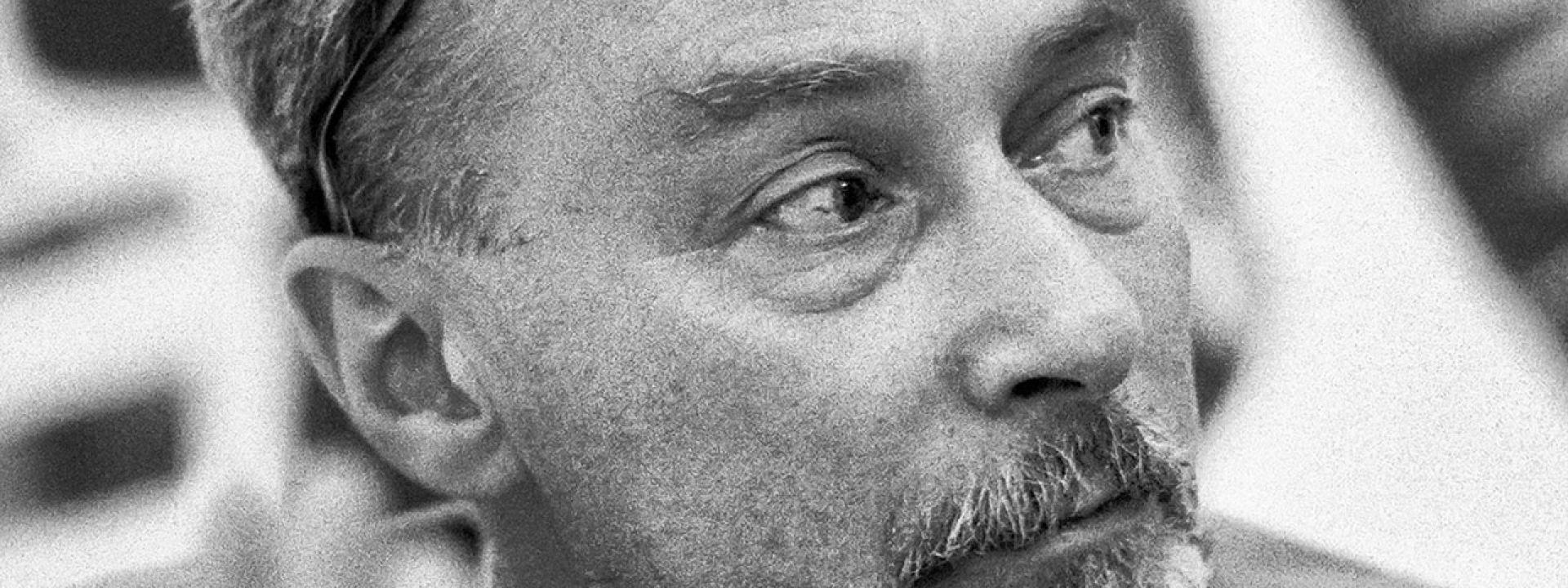 Ο Πρίμο Λέβι και η εμπειρία του από τo Άουσβιτς: Ένα μάθημα ανθρωπιάς μέσα σε συνθήκες ωμής βίας - Εικόνα