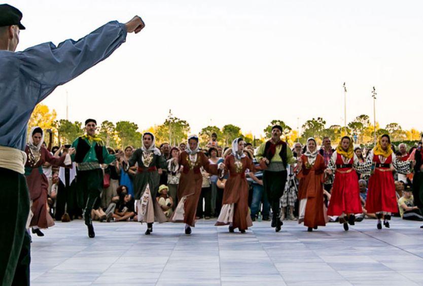 Φωτογραφία από χορευτές του Λυκείου Ελληνίδων στο ΚΠΙΣΝ