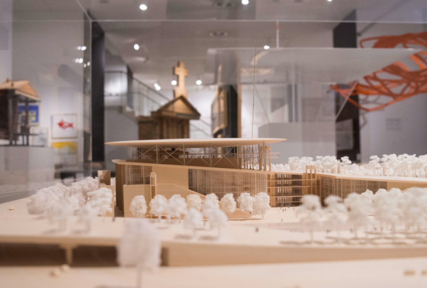 """Off Premises SNFCC Members' Events: Guided visit for adults at the National Museum of Contemporary Art Athens and the exhibition """"SYMBOLS & Iconic Ruins""""  - Εικόνα"""