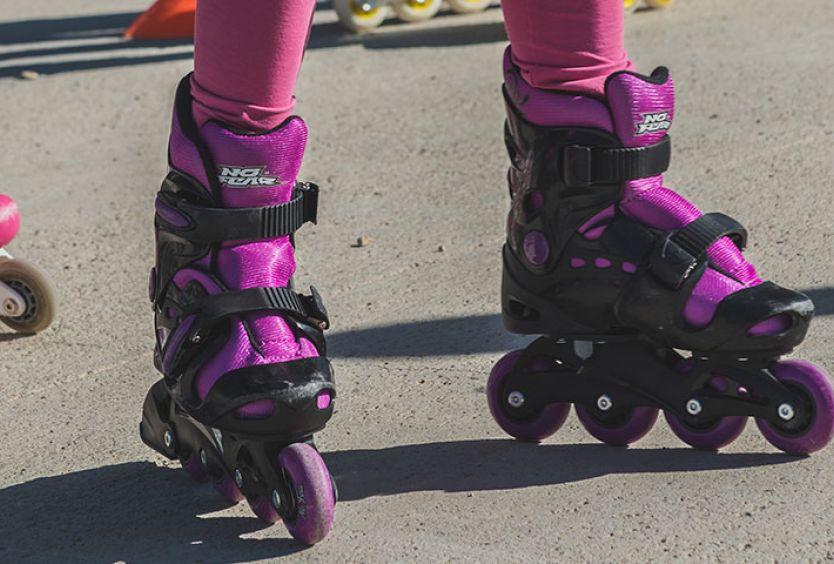 Φωτογραφία από παιδιά που κάνουν roller skates στο Κέντρο Επισκεπτών