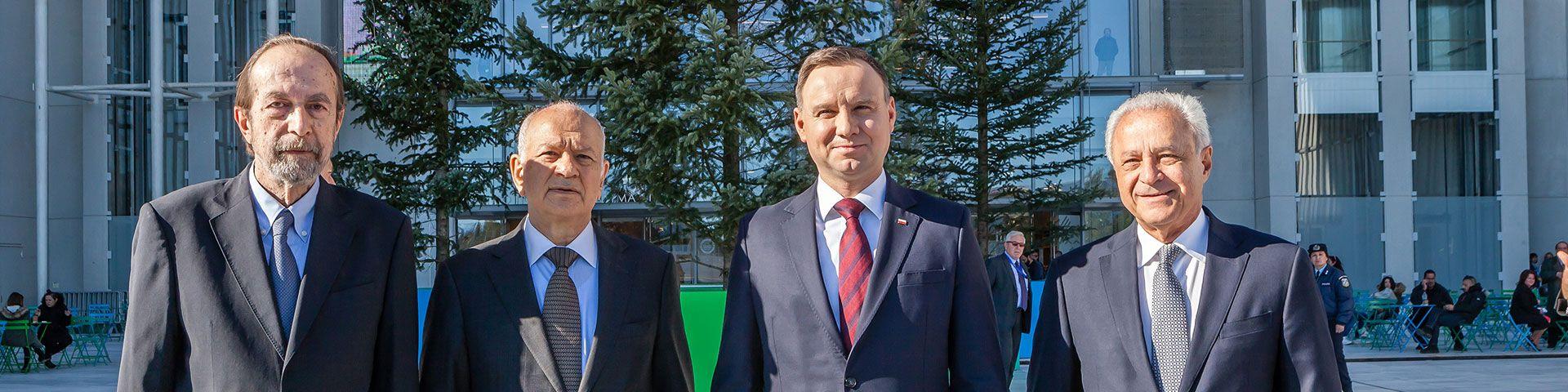Στιγμιότυπα από την επίσκεψη του Προέδρου της Πολωνίας Andrzej Duda και του Υπουργού Οικονομίας και Ανάπτυξης Δημήτρη Παπαδημητρίου στο ΚΠΙΣΝ - Εικόνα